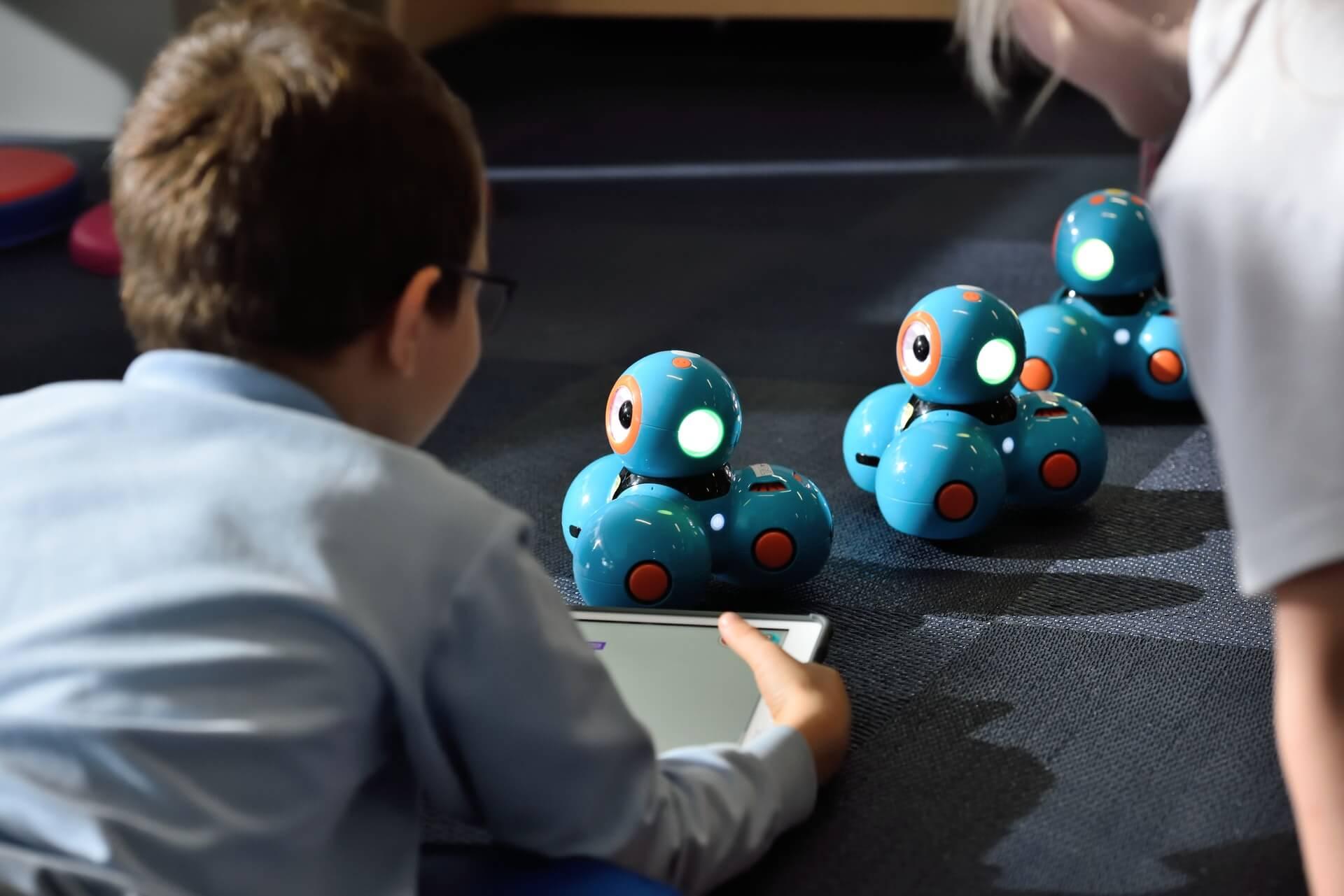 Roboty interaktywne dla dzieci